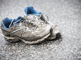 Dotrajani tekaški čevlji