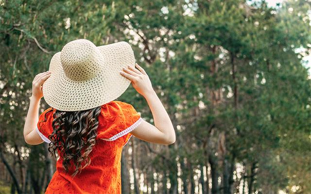 Zaščita lasišča s klobukom