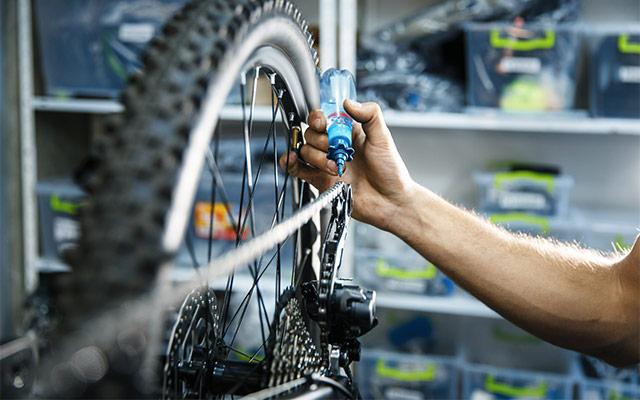 Mazanje kolesarske verige